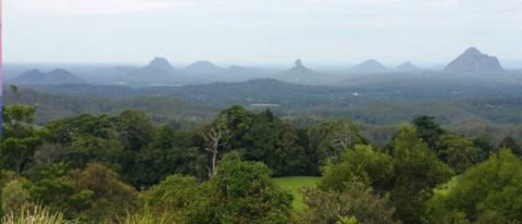 glasshouse mountains andre henrion