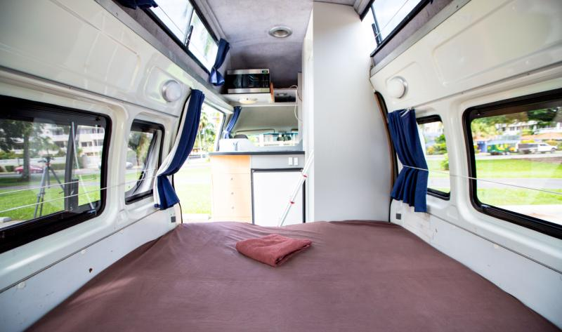 Motorhome Campervan Amp Rv Rental 5 Person With Bathroom